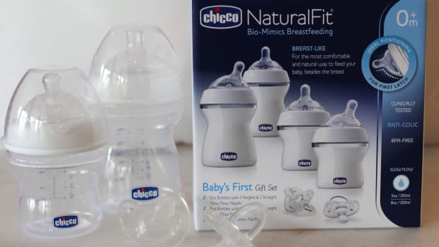Chicco Natural Fit Gift Set