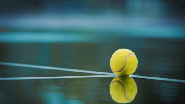 ball-reflection-tennis-ball-2339377