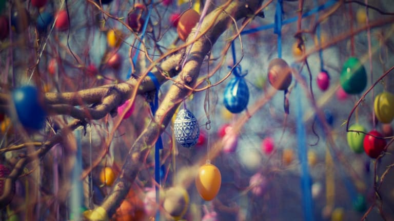 20 Glamorous Ways to Decorate for Easter