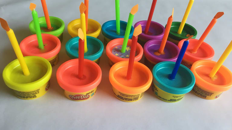 "Play-Doh Birthday ""Cupcakes"" to Celebrate a School Birthday & Remain Sensitive to Food Allergies"