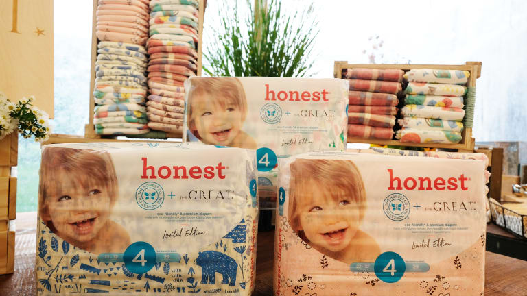 Jessica Alba & The Honest Company Celebrate The GREAT Adventure Diaper Collection