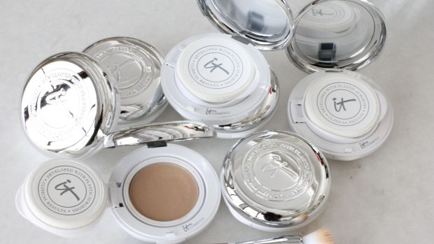 new it cosmetics confidence in a compact.jpg