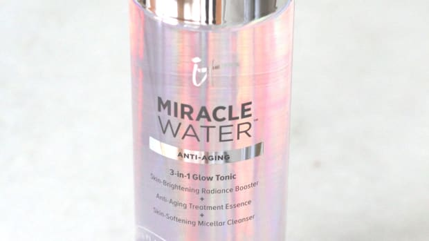 It Cosmetics Miracle Water
