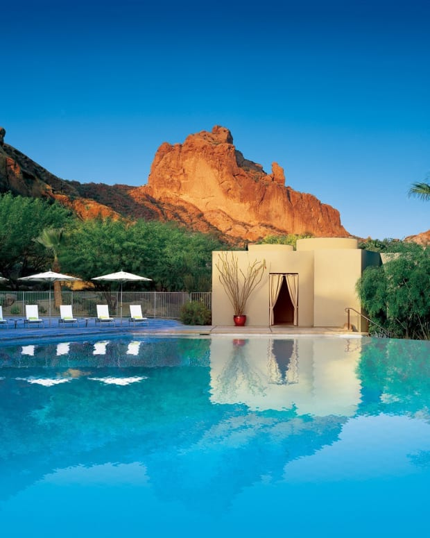 Infinity Pool - Sanctuary On Camelback Mountain Resort & Spa