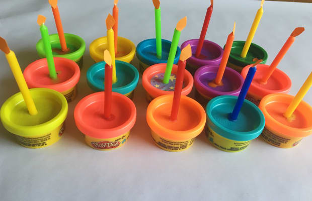"""Play-Doh Birthday """"Cupcakes"""" to Celebrate a School Birthday & Remain Sensitive to Food Allergies"""