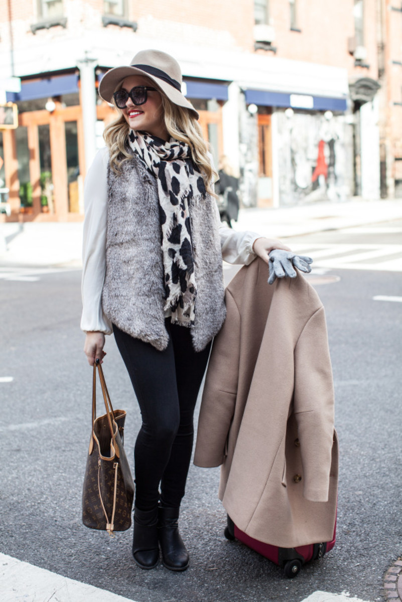 10 Cute Winter Outfit Ideas from bowsandsequins.com