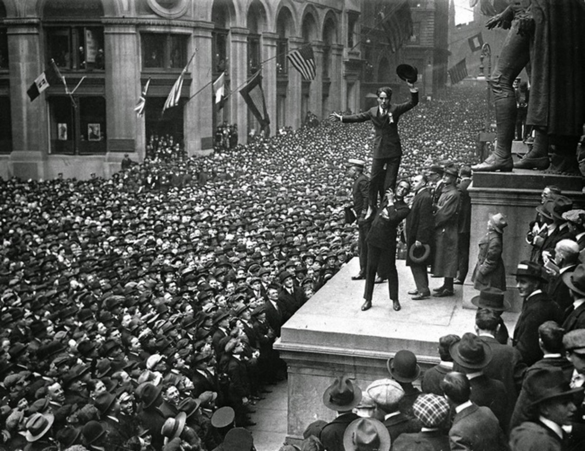 Douglas Fairbanks and Charlie Chaplin on the steps of Federal Hall during a 1918 War Bond Rally via https://www.nps.gov/feha/planyourvisit