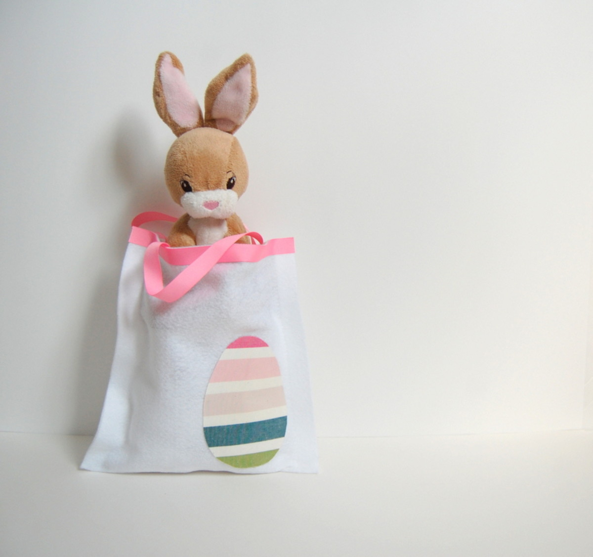 DIY-Easter-Treat-Bag.jpg