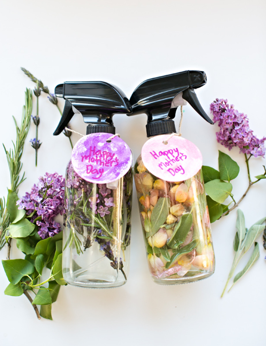 Kid-Made DIY Mother's Day Floral Herb Perfume from hellowonderful.co