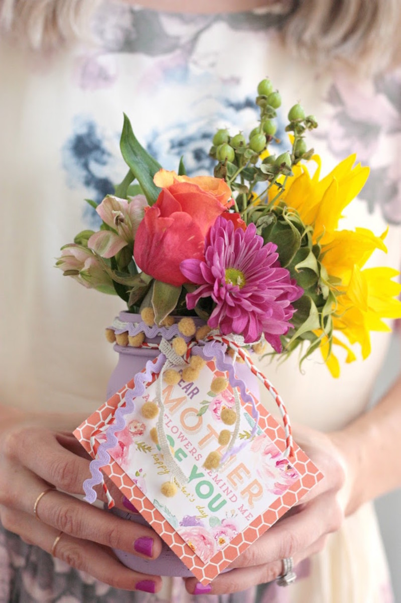 DIY Mother's Day Vases With Free Printable from diycandy.com