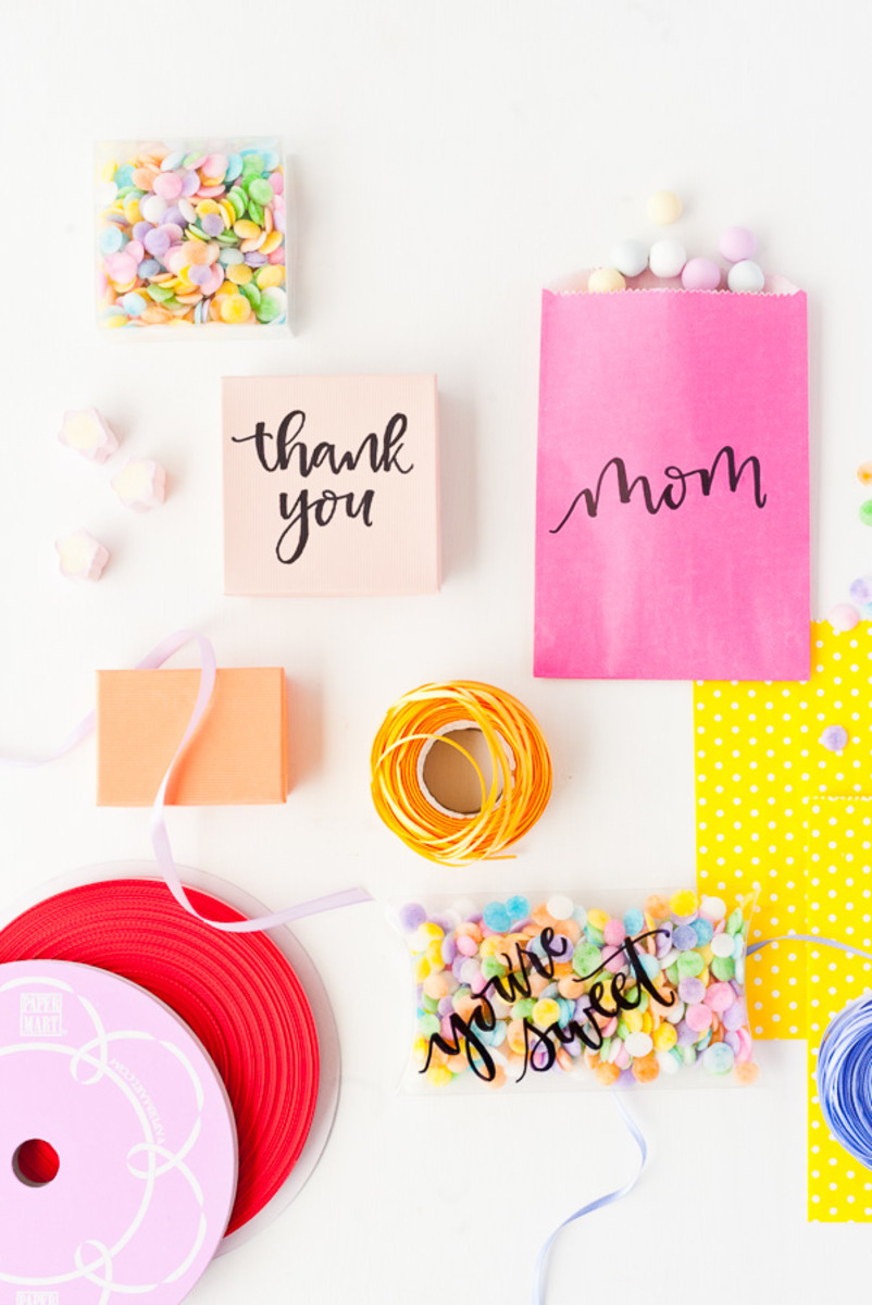 A Unique Gift Wrapping Idea For Mother's Day Gifts from papernstitchblog.com