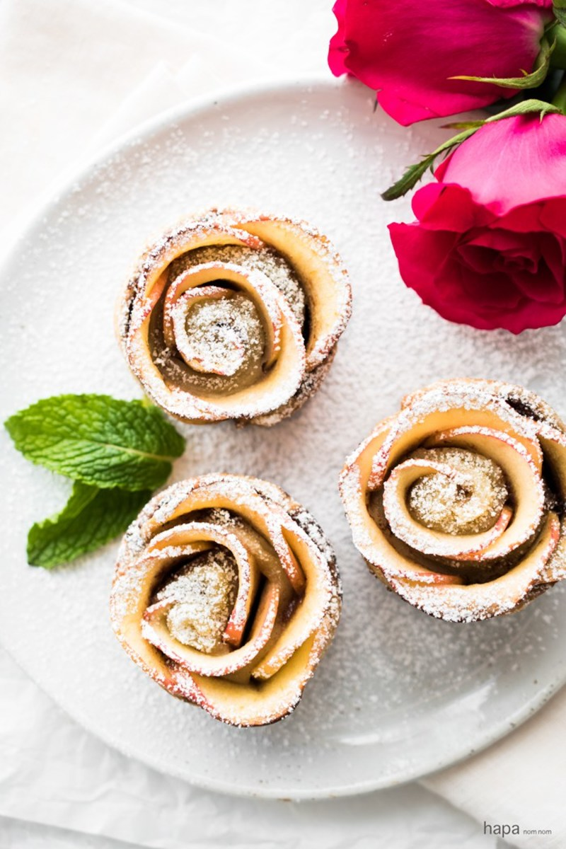 Puff Pastry Nutella Apple Roses from hapanom.com