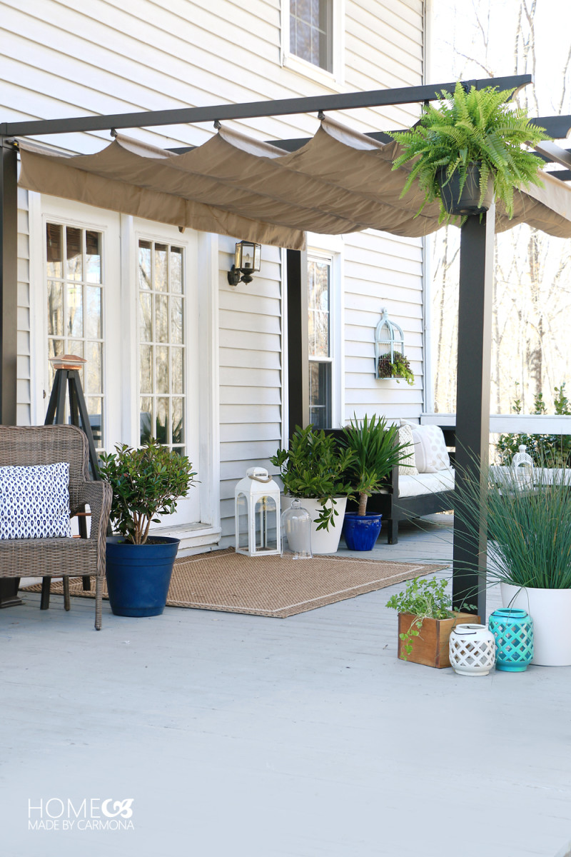 Simple Patio Styling from homemadebycarmona.com