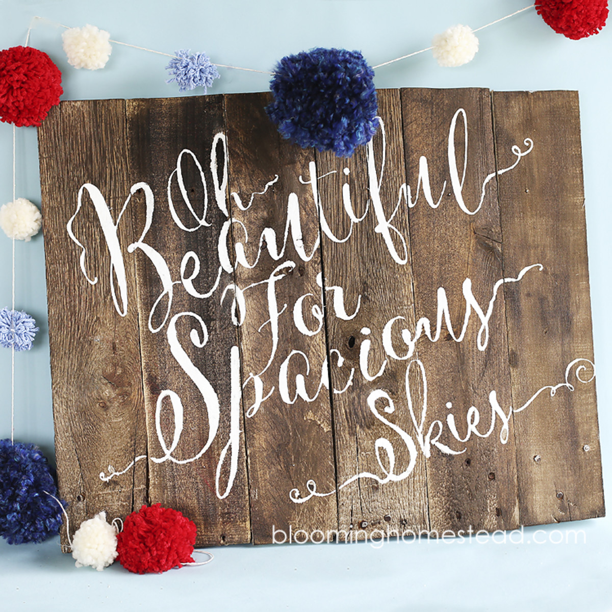 Patriotic Pallet Sign from bloominghomestead.com