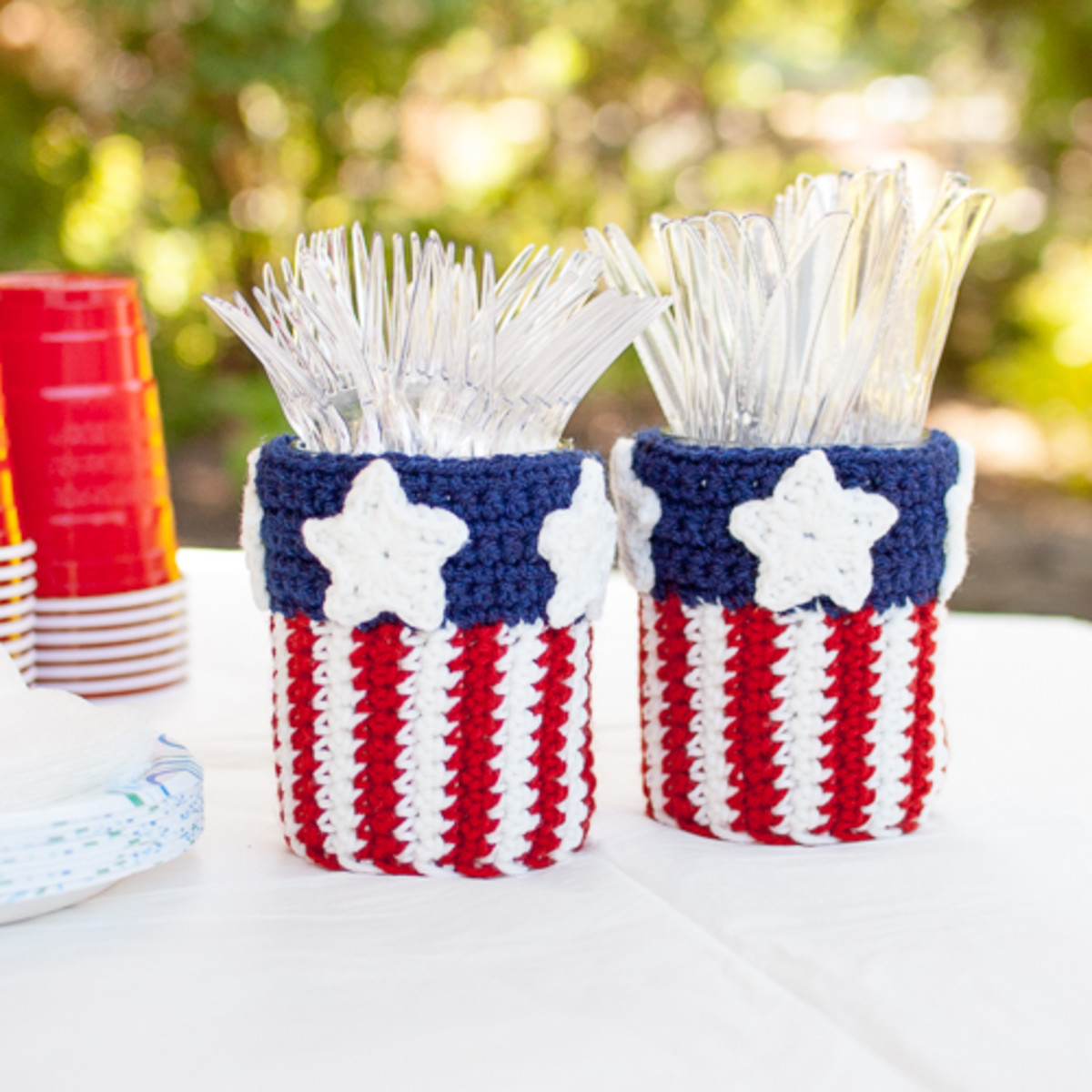 Patriotic Mason Jar Utensil Holder Crochet Pattern from petalstopicots.com