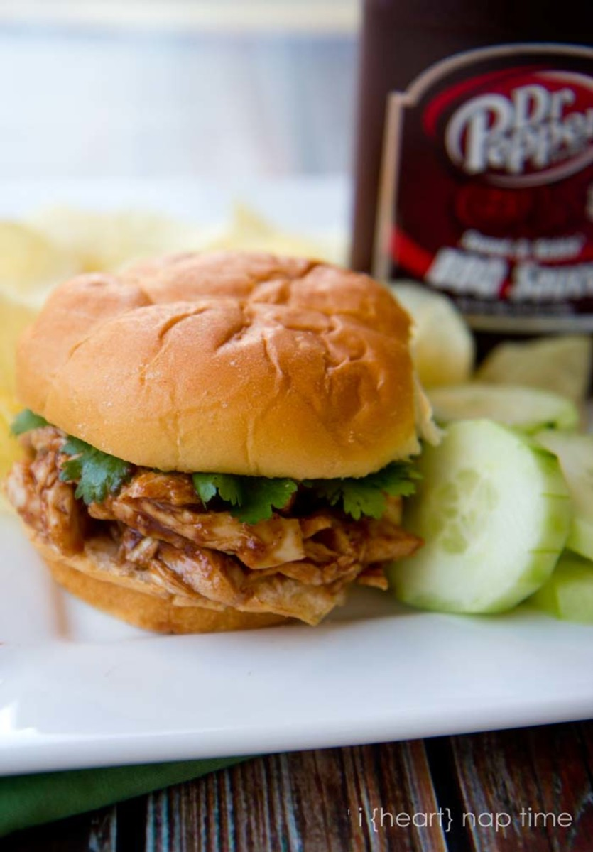Delicious BBQ Chicken Sandwiches from iheartnaptime.net