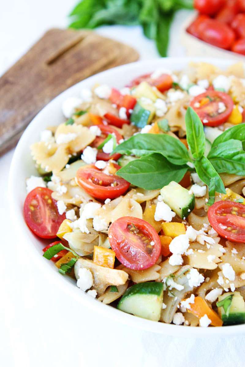 Easy Summer Pasta Salad from twopeasandtheirpod.com\