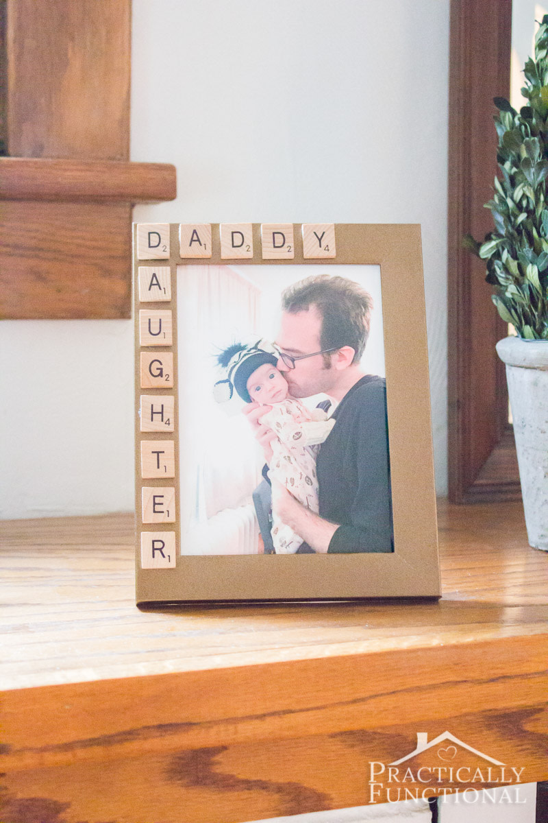 10 Minute Father's Day Picture Frame from practicallyfunctional.com