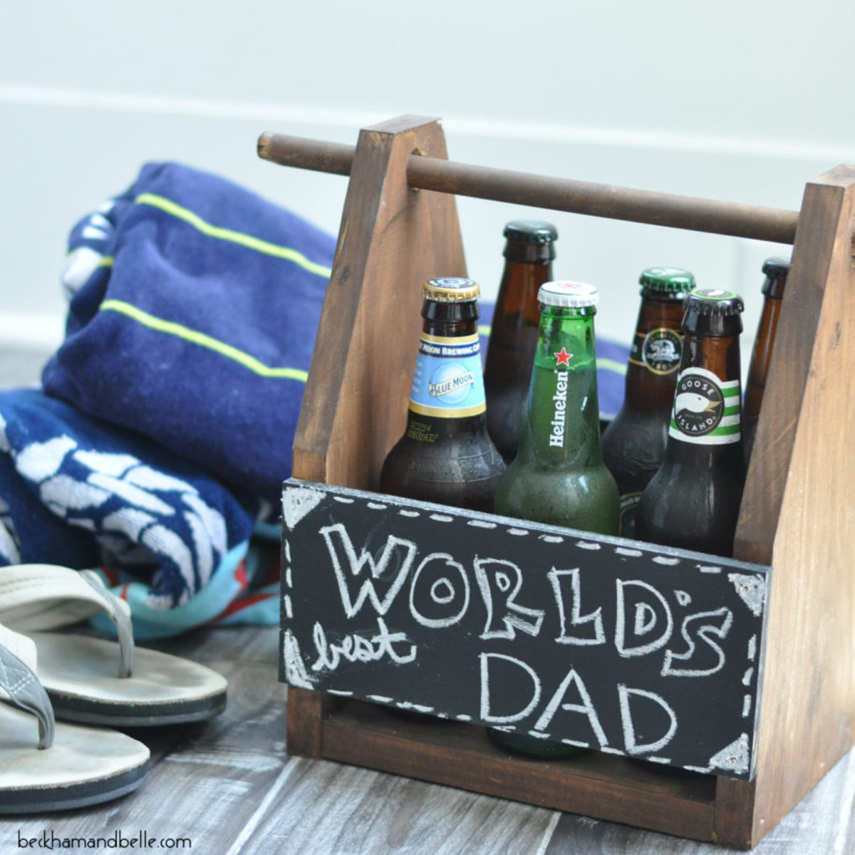 Father's Day DIY Beer Caddy from beckhamandbelle.com