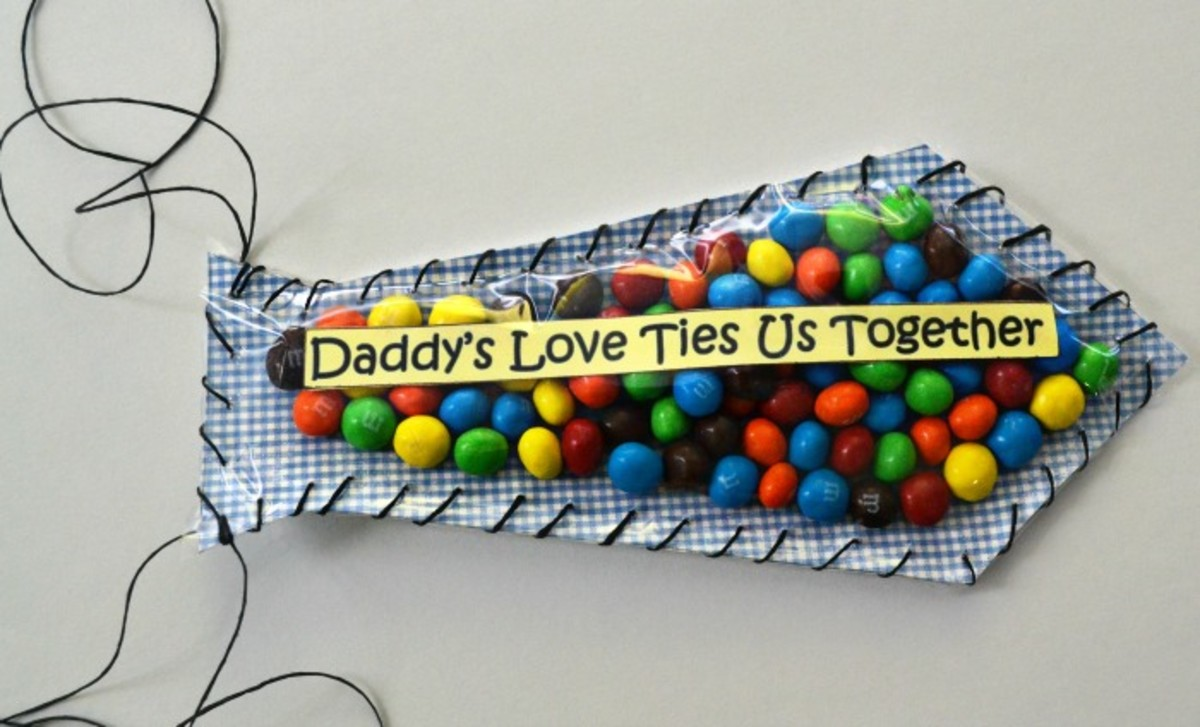 Father's Day Candy Tie Printable Craft from diecutterdesigns.com