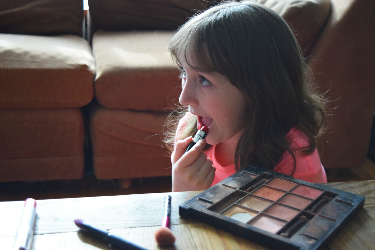 GapKidsxED Sam the makeup artist