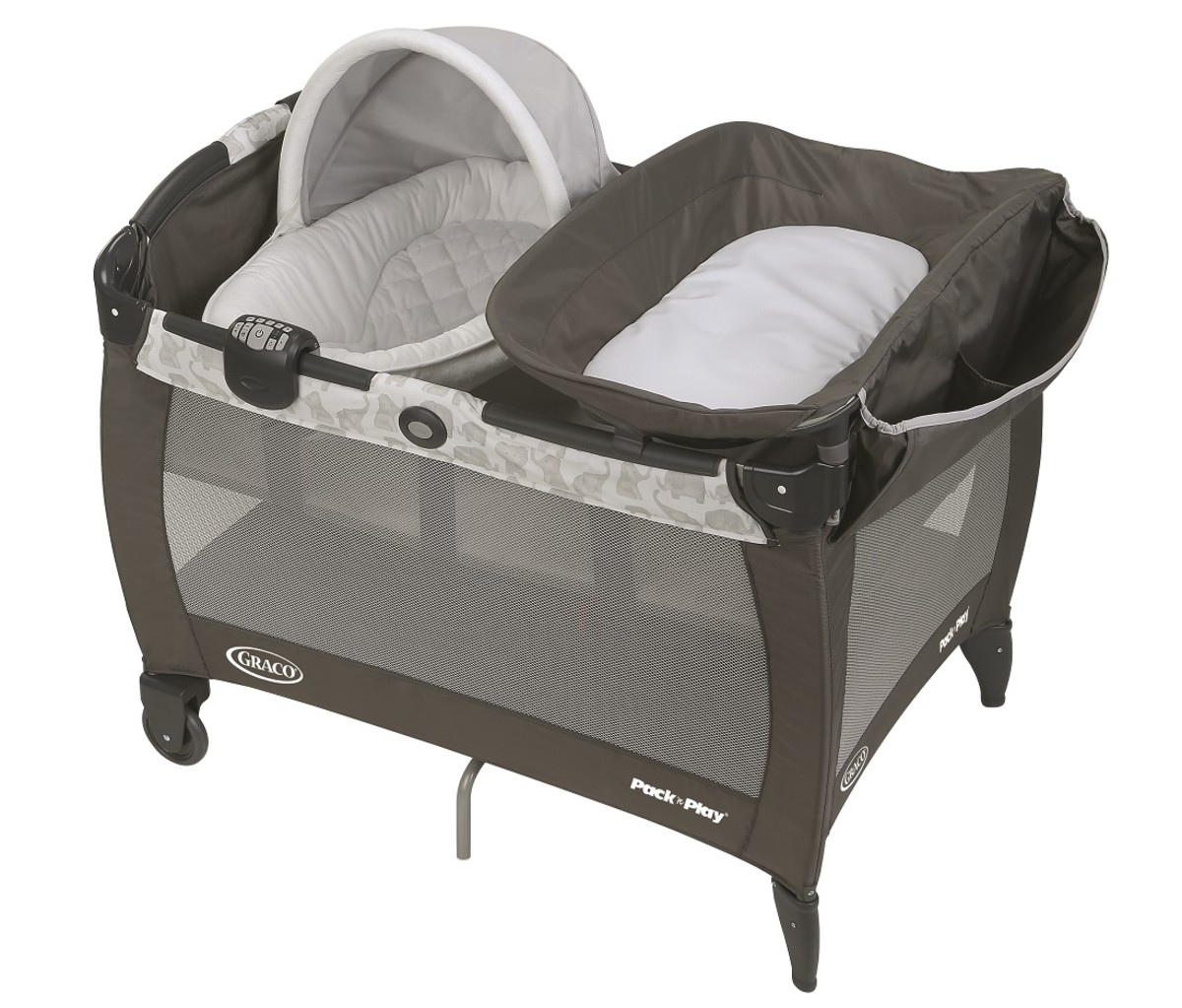 Graco Pack N Play Newborn Napper with Soothe Surround Technology