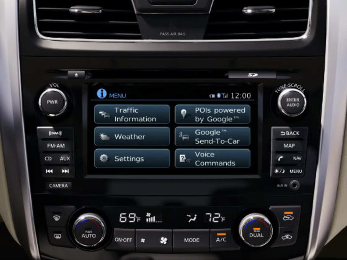 2013 Alitma Sedan Hands-Free Features