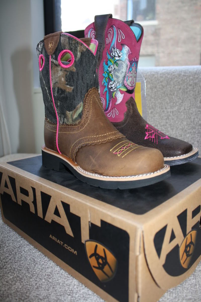 Ariat International Cowgirl Boots Fall 2011