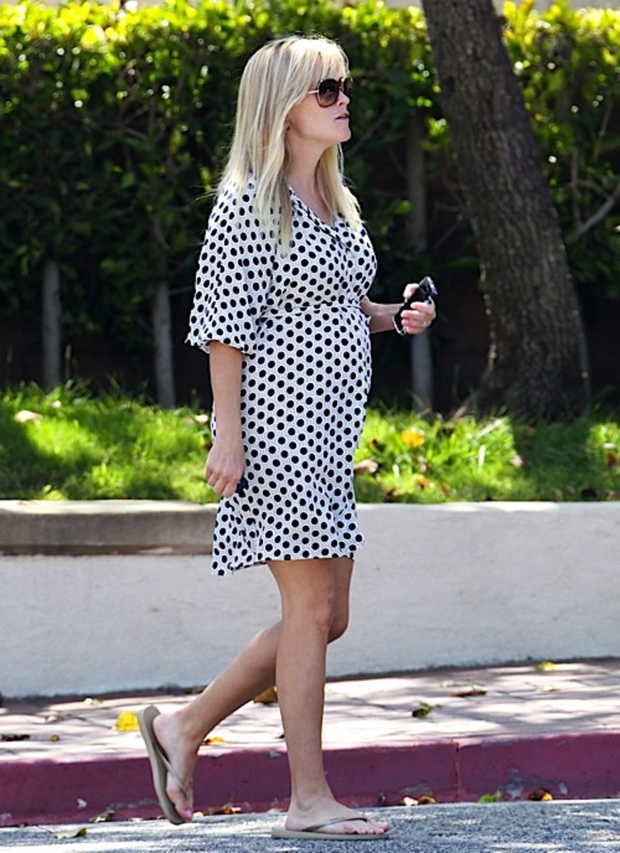 Reese Witherspoon Polka Dot Maternity Dress
