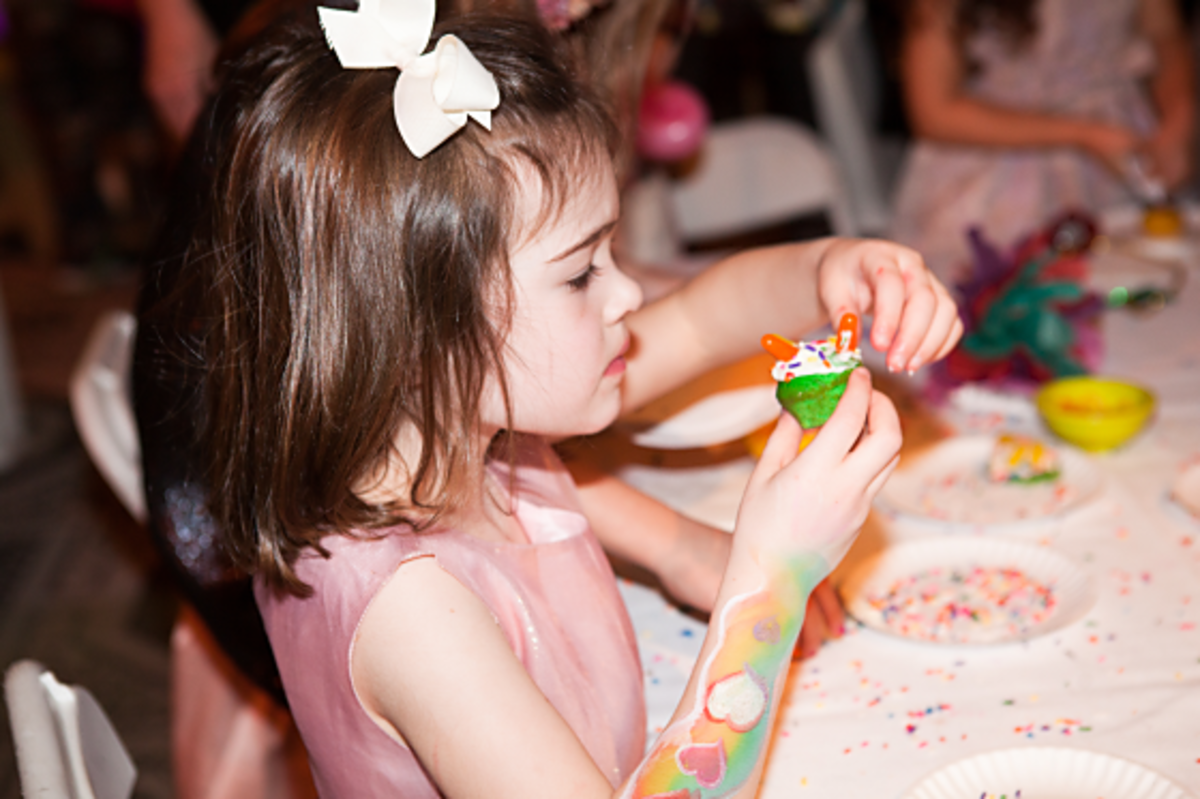 60. Cupcake Decorating,jpg_560