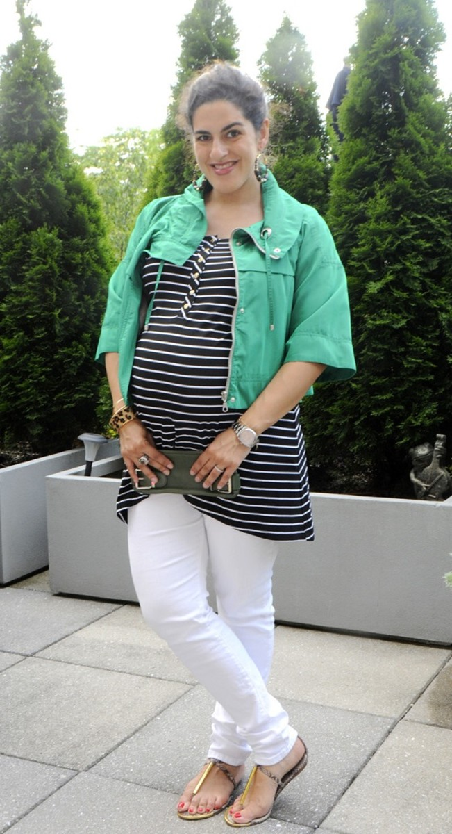 How To Wear White Maternity Jeans