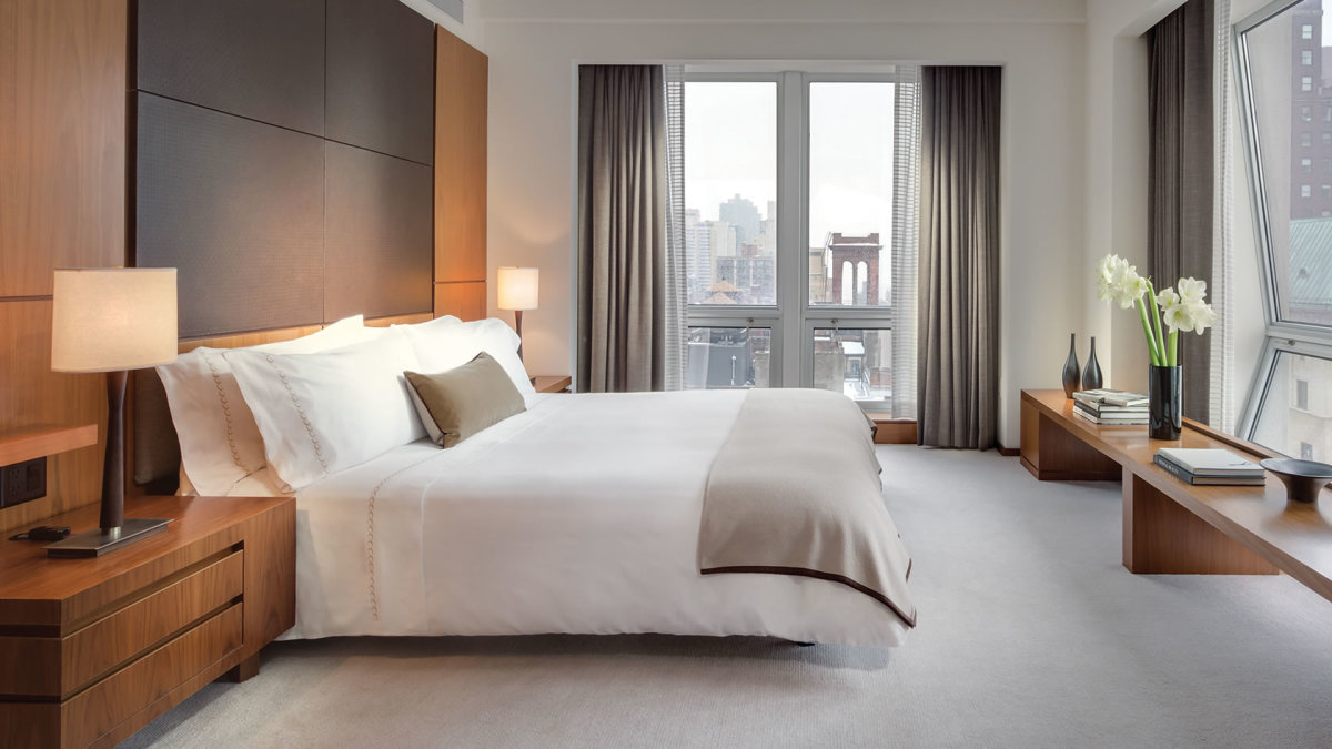lpnyc-empire-suite-and-family-one-bedroom-residence-king-2014-hires-1680-945