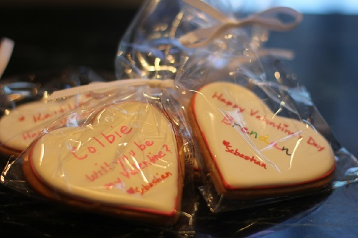 Eleni's Color Me Hearts Cookies
