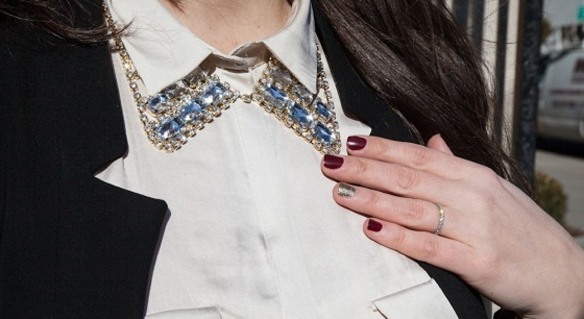 Bauble Bar Collar Necklace