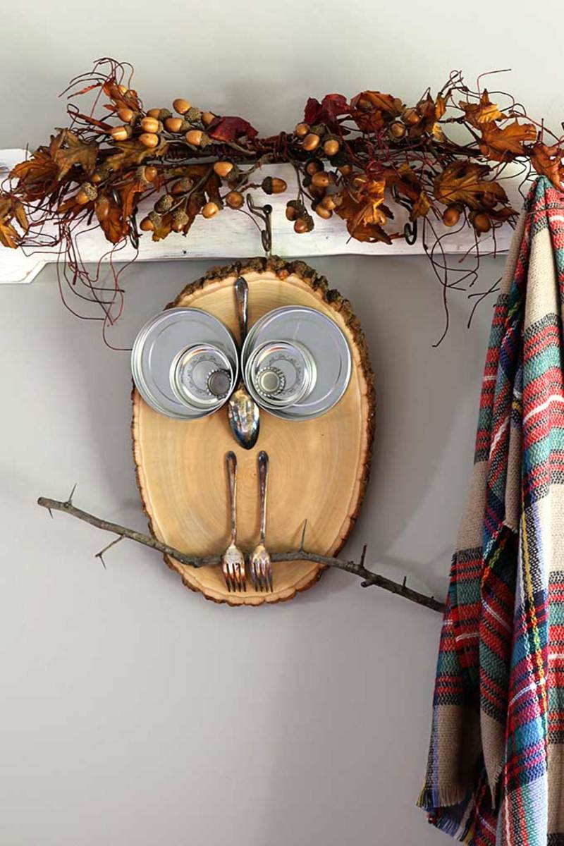rustic-fall-wood-slice-owl-5372
