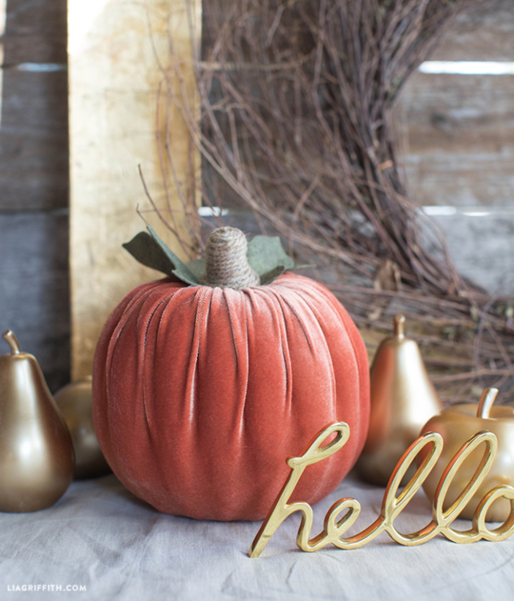Flora_Craft_Pumpkin_Velvet_Foam-724x847
