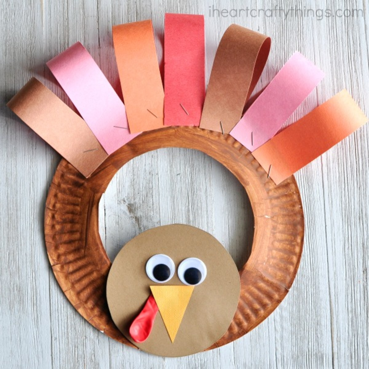 Paper Plate Thanksgiving Turkey Wreath from I Heart Crafty Things