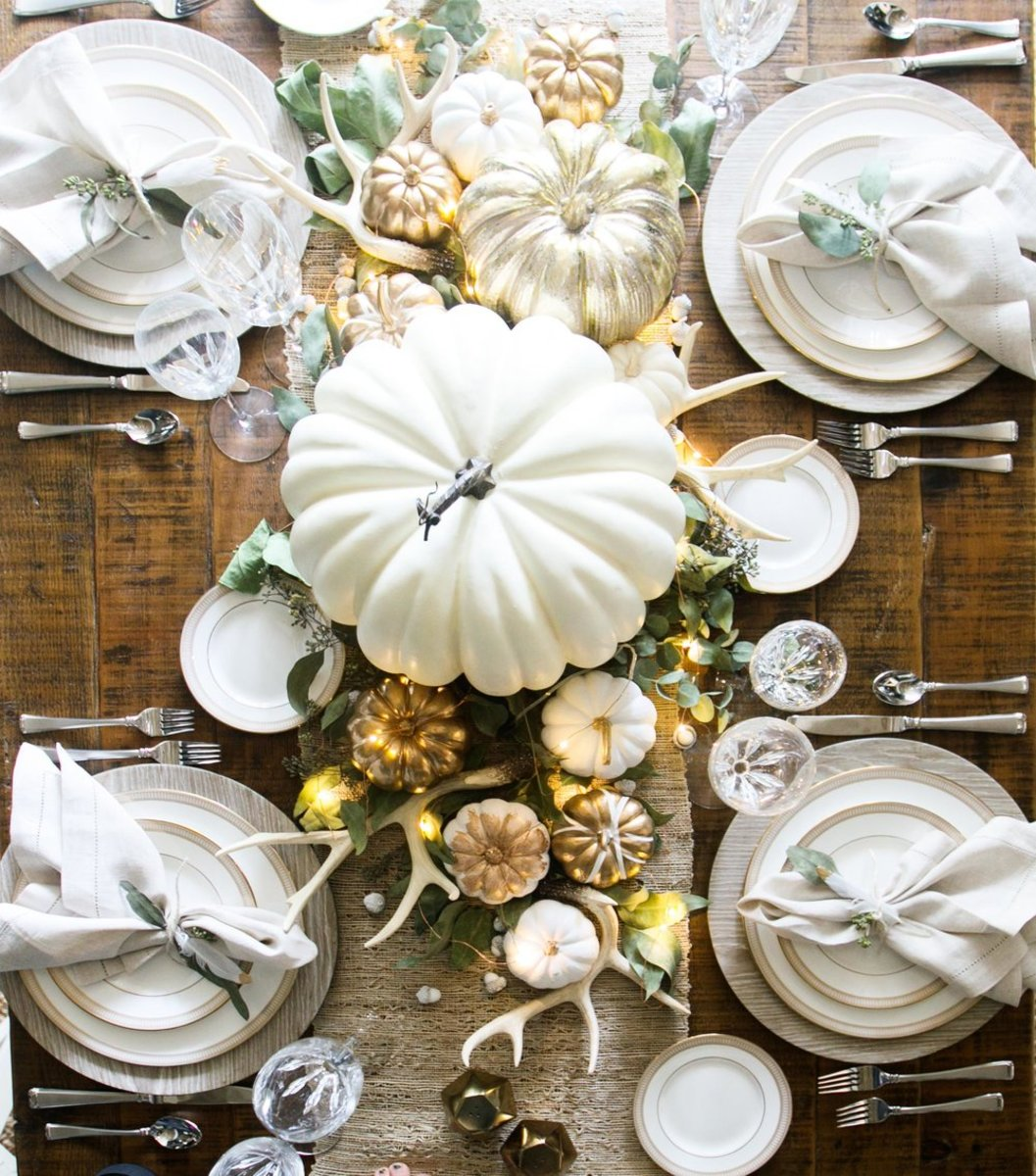 Chic Thanksgiving Table from Living with Landyn