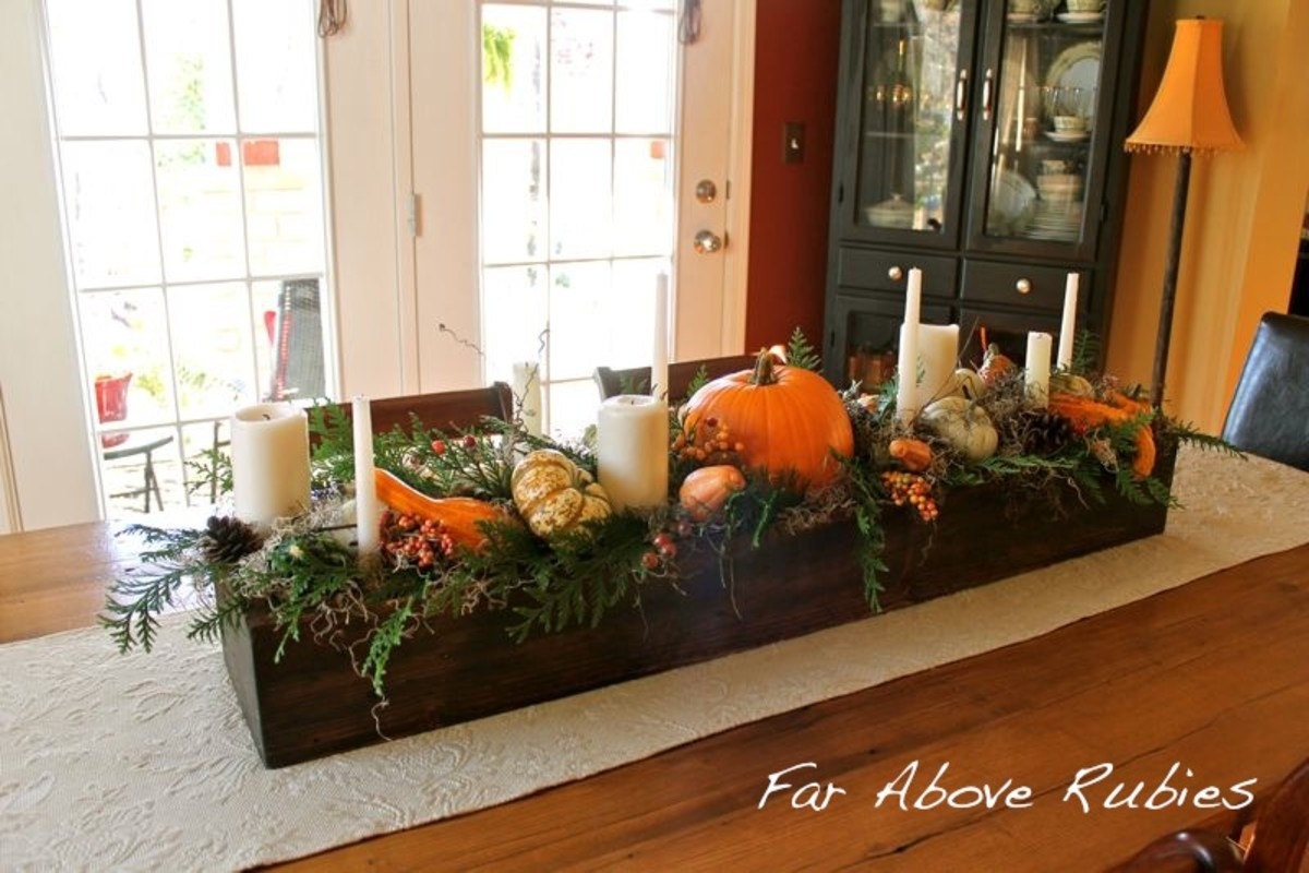 Thanksgiving Pallet Centerpiece from Far Above Rubies